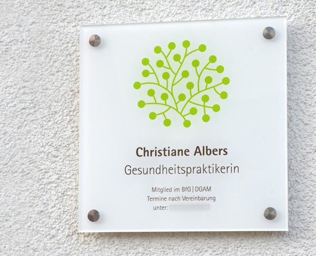 Praxisschild für die Gesundheitspraktikerin Christiane Albers